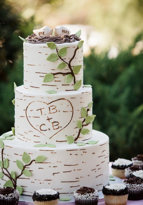 birch-inspired-wedding-cake-with-bird-cake-toppers